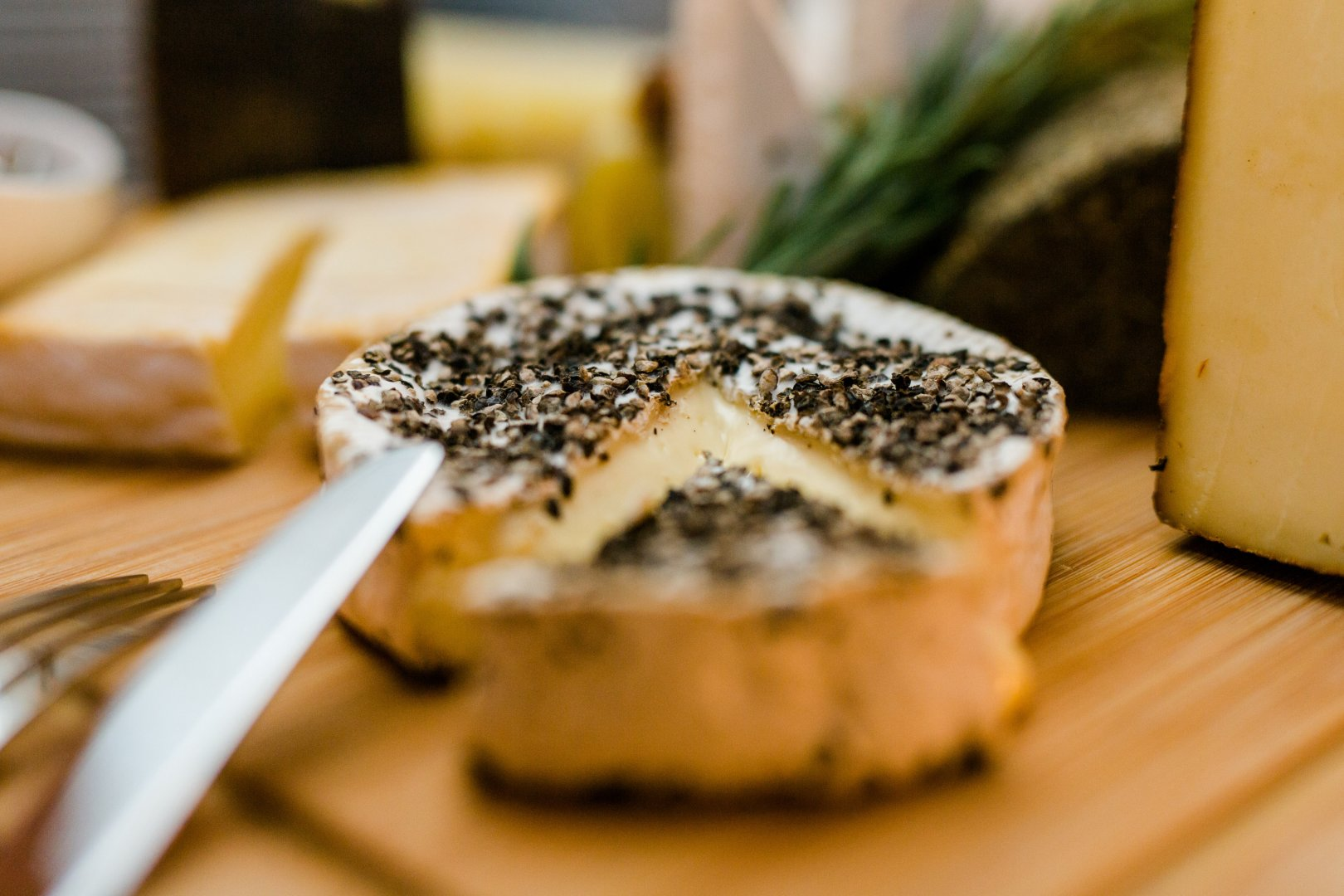 Food Dish Cuisine Ingredient Gorgonzola Blue cheese À la carte food Comfort food Produce Camembert Cheese Recipe Dairy Cheese