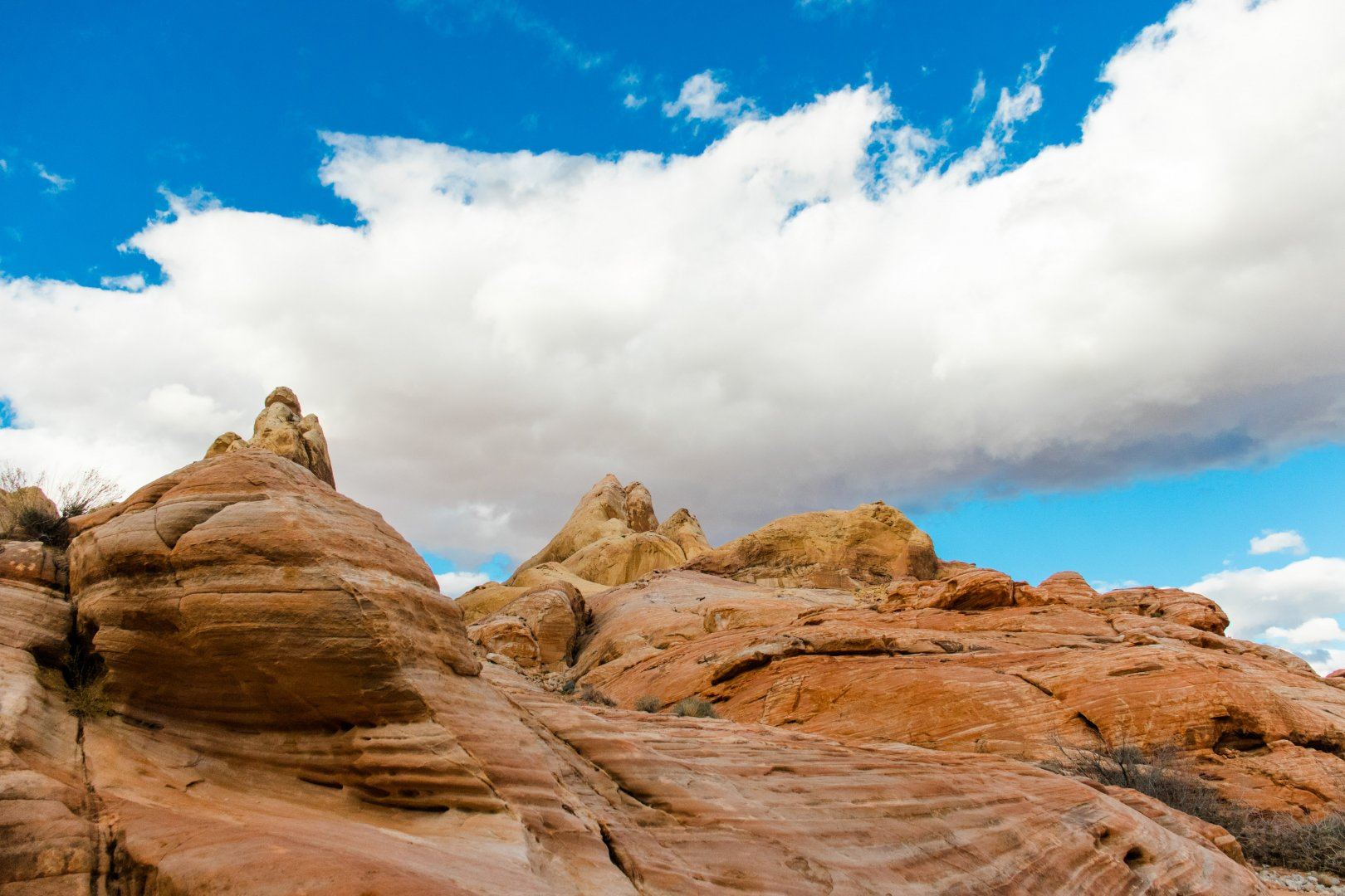 Sky Nature Rock Natural landscape Cloud Badlands Formation Daytime Outcrop Wilderness Landscape Geology Mountain National park Tree Cumulus Bedrock Canyon Cliff Vacation Wadi Meteorological phenomenon Wildlife Tourism Hill Terrain Klippe State park