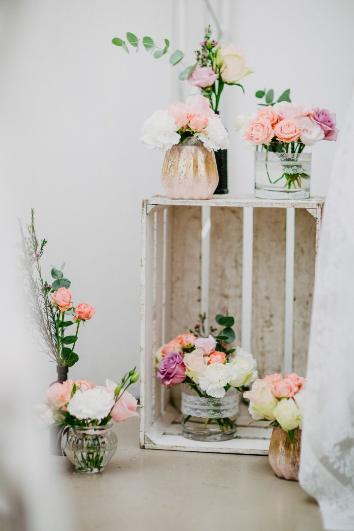 Flower Arranging Floral design Pink Floristry Flower Bouquet Wedding ceremony supply Plant Cut flowers Still life photography Artificial flower Garden roses Twig Rose Peach Rose family Peony Petal Wildflower Ceremony Centrepiece Building