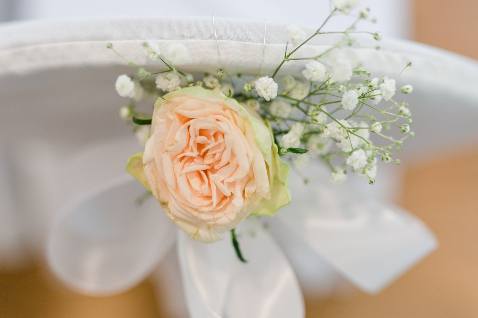 Bouquet Flower White Cut flowers Rose Flower Arranging Garden roses Plant Pink Yellow Floristry Floral design Petal Rose family Artificial flower Rose order Peony Centrepiece Wedding ceremony supply Peach Flowering plant persian buttercup Artwork Rosa × centifolia