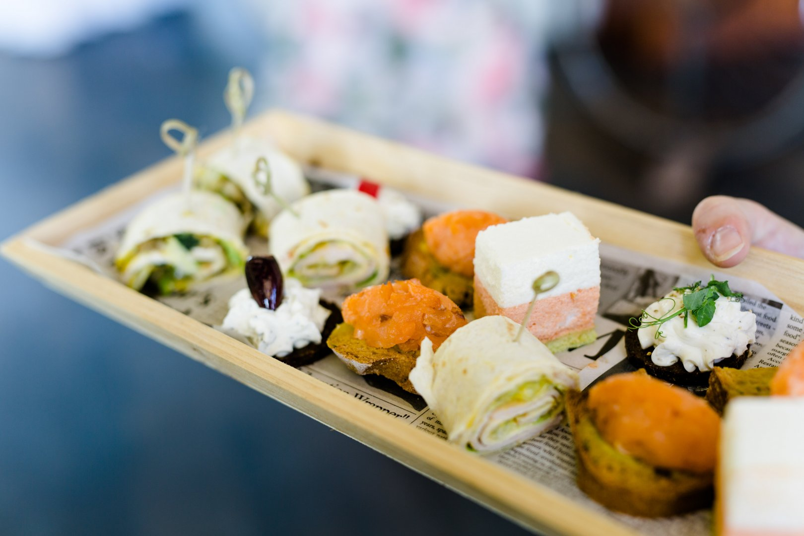 Dish Cuisine Food Meal Comfort food Ingredient Steamed rice Japanese cuisine Gimbap Take-out food À la carte food Side dish Rice ball Lunch California roll Brunch Sushi Recipe Garnish Produce Delicacy appetizer Osechi Finger food Ekiben Bento Hors d'oeuvre Culinary art Tableware Platter