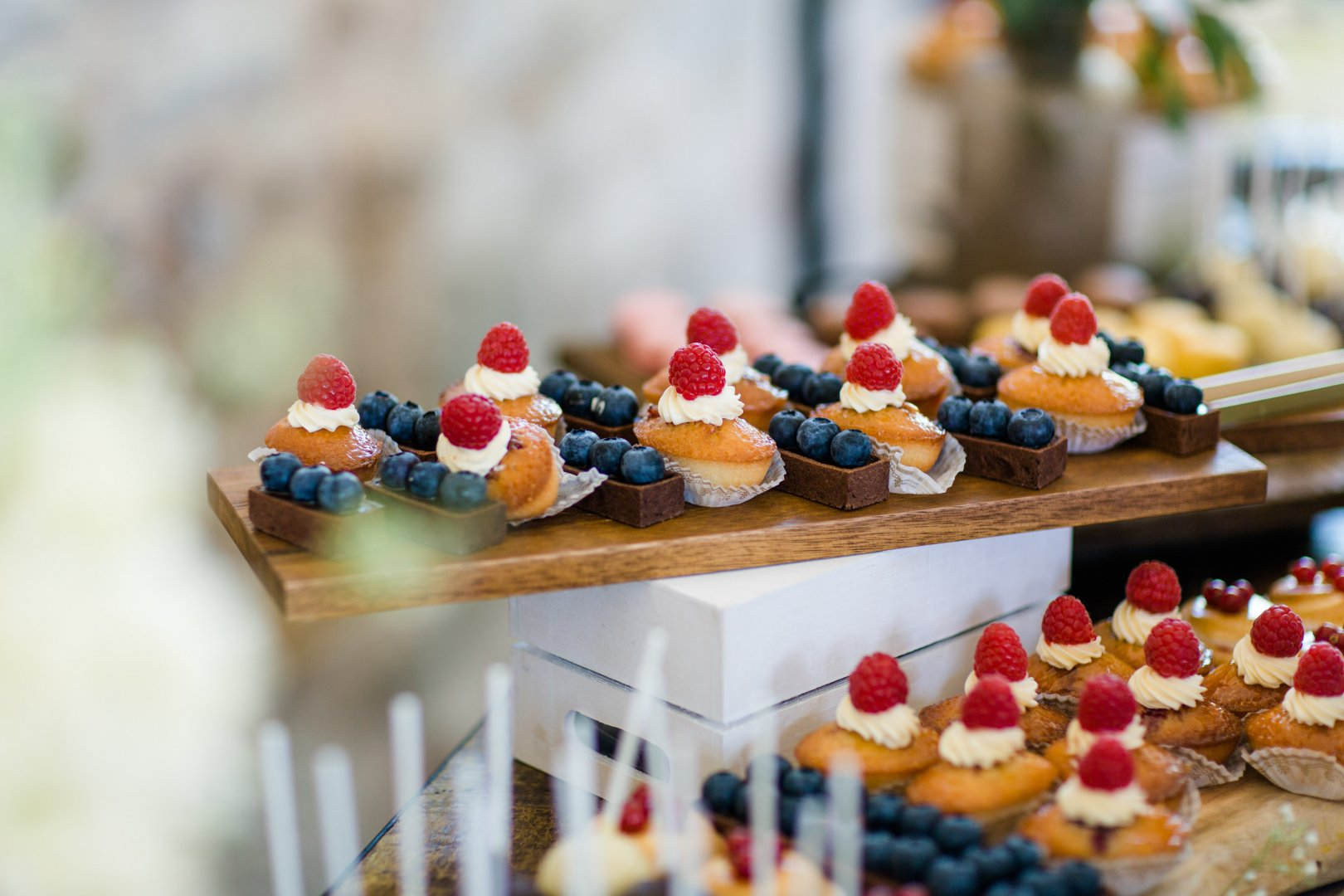 Pâtisserie Food Sweetness Petit four Cuisine Canapé Pastry Dessert Finger food Baking Brunch Dish Culinary art Baked goods appetizer Hors d'oeuvre Bakery Games Delicacy Buffet Miniature Taste Ingredient