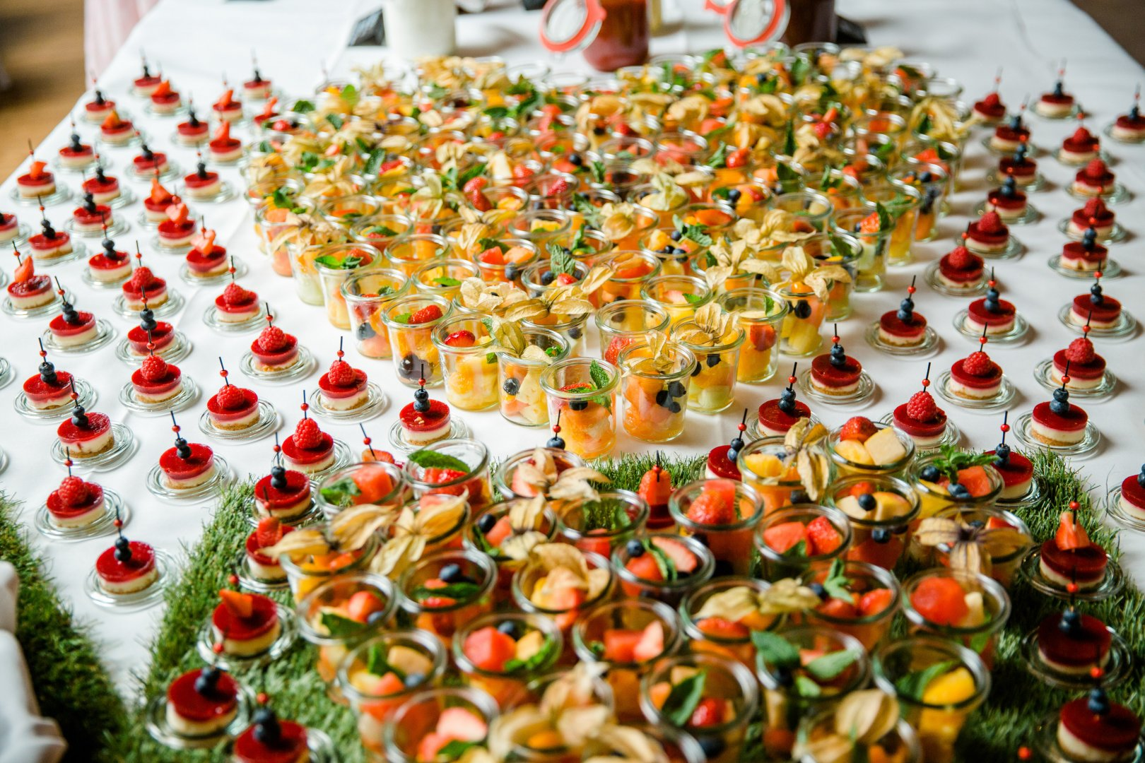 Food Cuisine Dish Canapé Finger food Meal Hors d'oeuvre appetizer À la carte food Culinary art Ingredient Garnish Buffet Vegetarian food Delicacy Produce