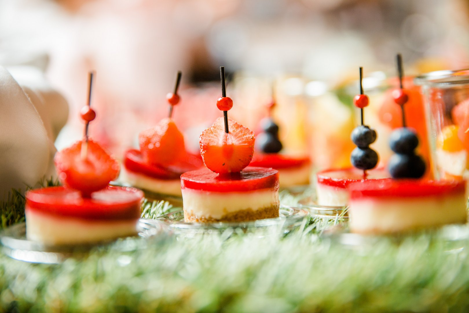 Food Lighting Finger food Dessert Sweetness Canapé Candle Cuisine appetizer Dish Hors d'oeuvre Birthday Party Pincho Baked goods Delicacy Fruit Ingredient Produce