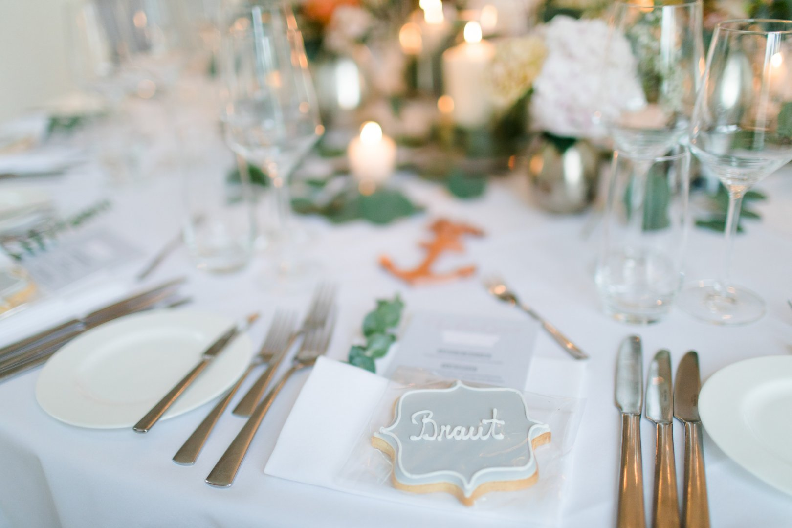 White Photograph Fork Rehearsal dinner Tableware Table Cutlery Tablecloth Champagne stemware Restaurant Textile Design Event À la carte food Linens Party supply Banquet Wedding reception Napkin Ceremony Flower Party Place card Stemware Calligraphy Household silver