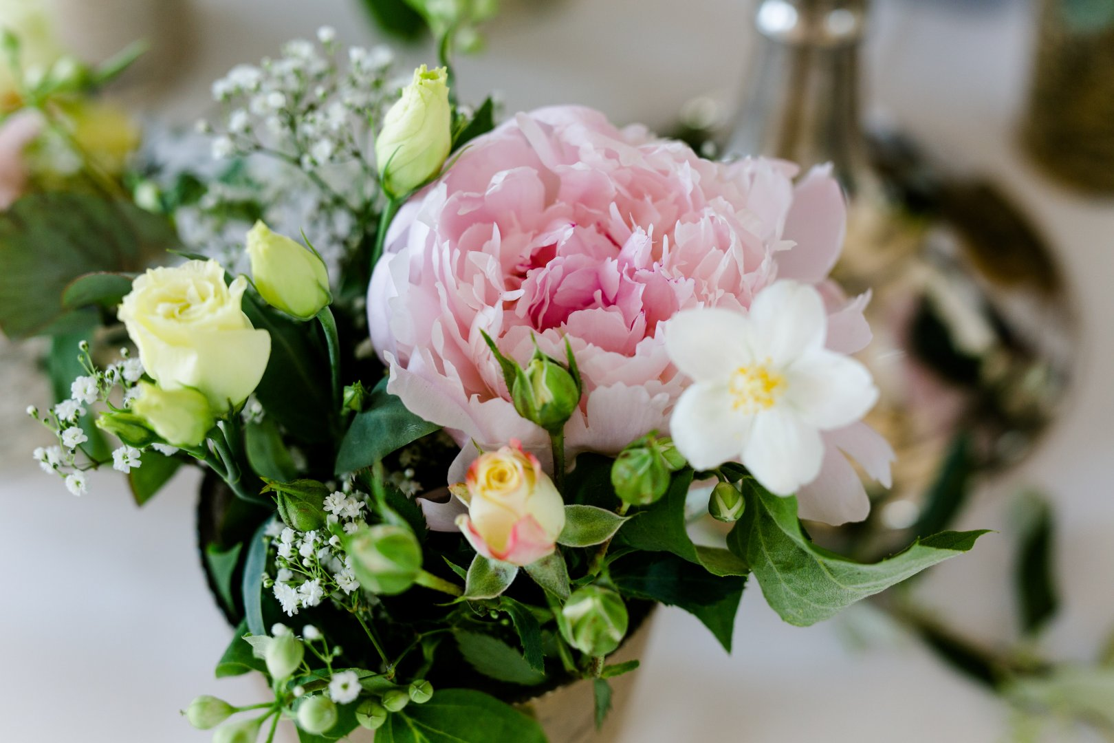 Flower Flowering plant Bouquet Floristry Flower Arranging Plant Pink Centrepiece Cut flowers Petal Floral design Peony Artificial flower Rose Rose family Garden roses Chinese peony Gardenia Rose order common peony Camellia Begonia