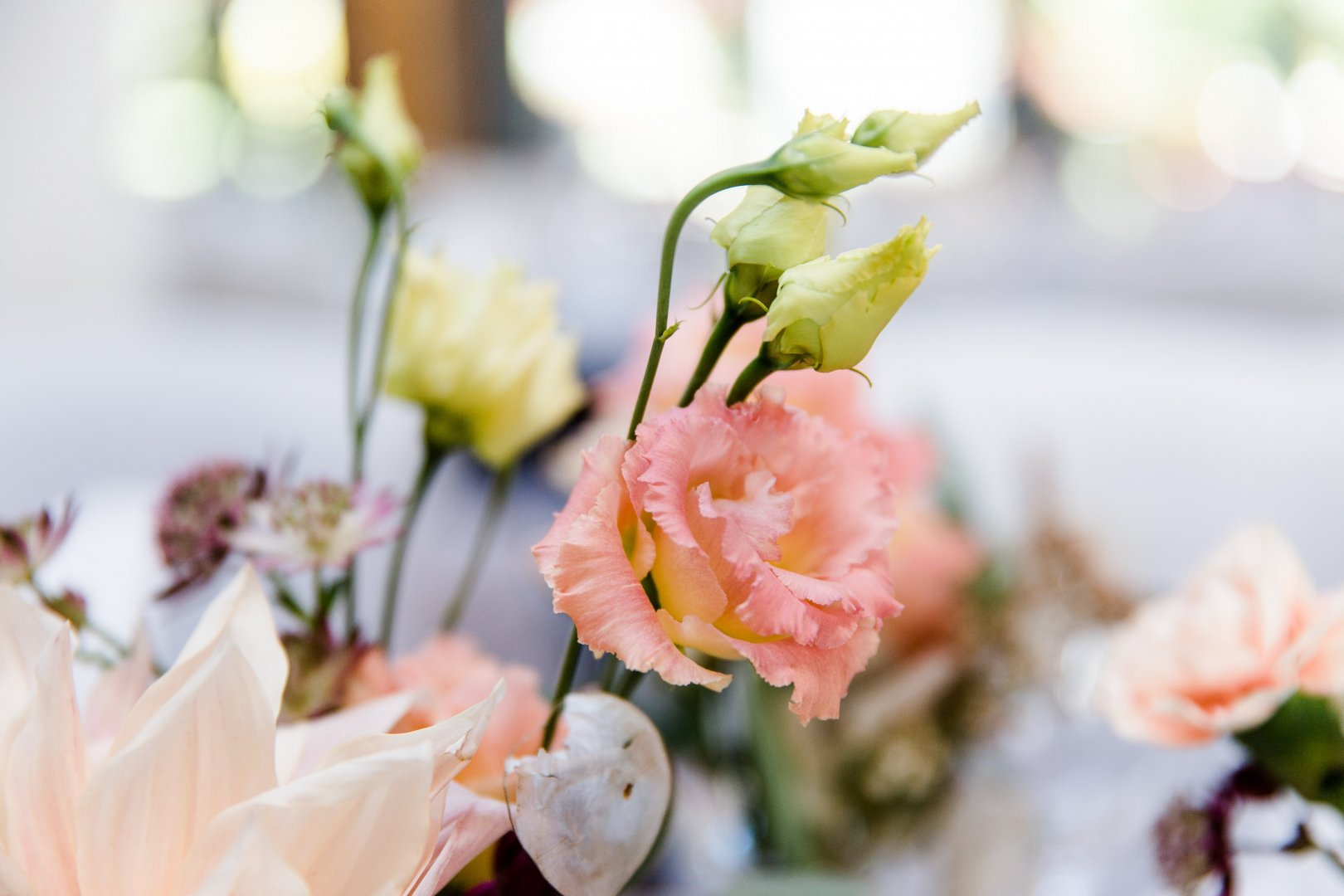 Flower Pink Flower Arranging Floral design Yellow Floristry Centrepiece Plant Petal Bouquet Cut flowers Spring Peach Wedding ceremony supply Artificial flower Ceremony Event Branch Garden roses Flowering plant Wedding reception Rose Wedding Rose family Peony Tableware