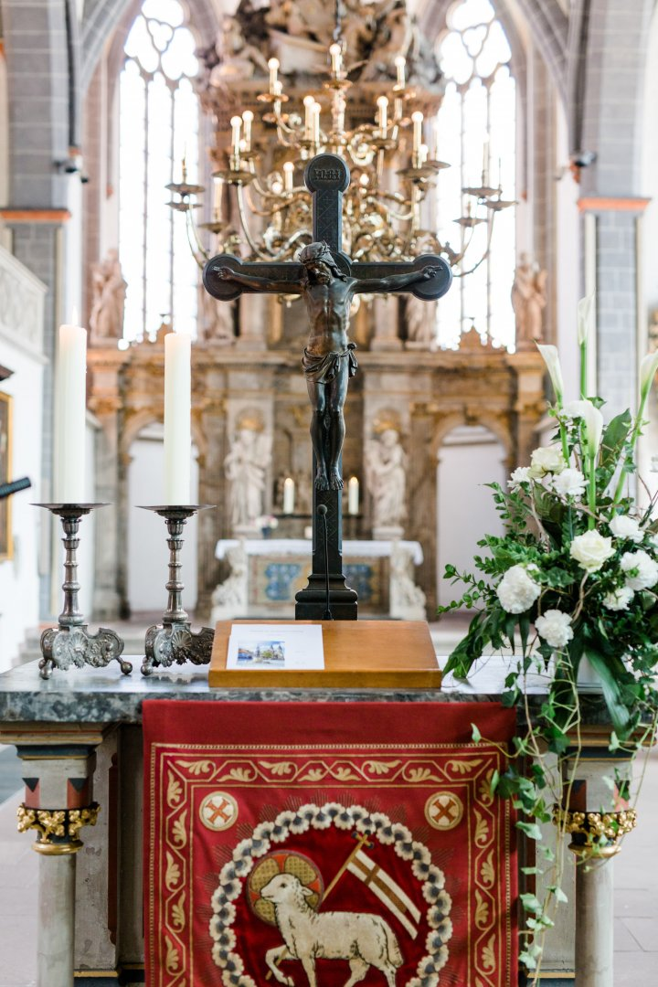 Altar Holy places Church Cross Font Cathedral Place of worship Chapel Symbol Building Furniture Shrine Pulpit