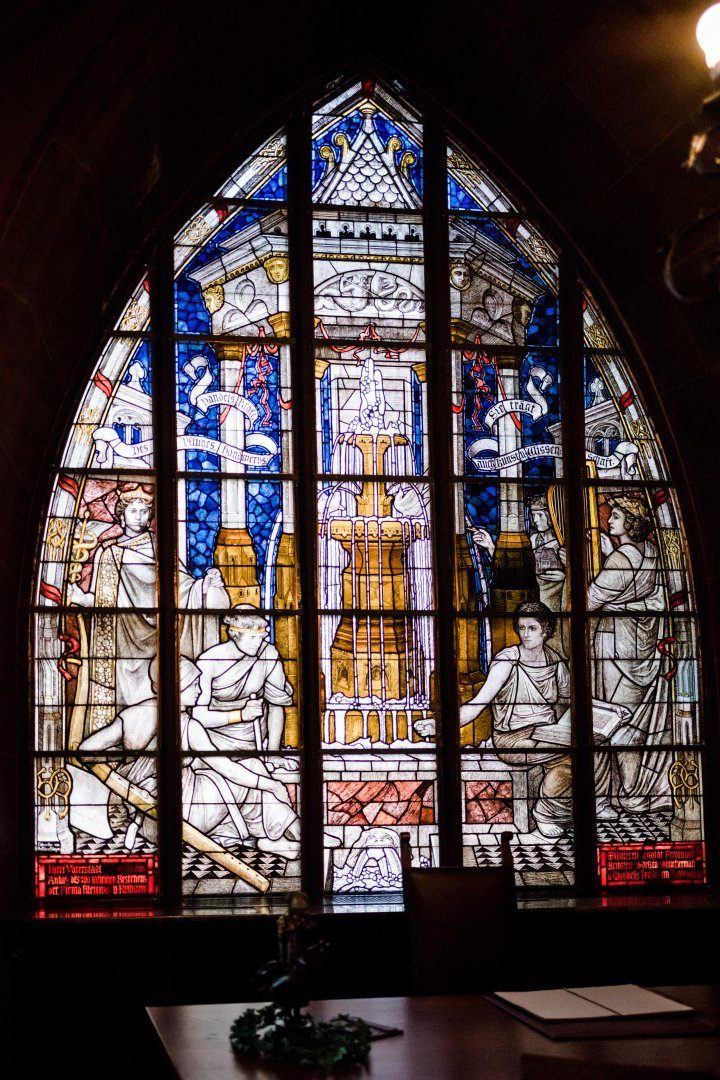 Stained glass Glass Window Holy places Architecture Chapel Daylighting Place of worship Interior design Church Gothic architecture Building Symmetry Cathedral Baptistery Shrine Medieval architecture Byzantine architecture Arch Fixture Convent Darkness Art