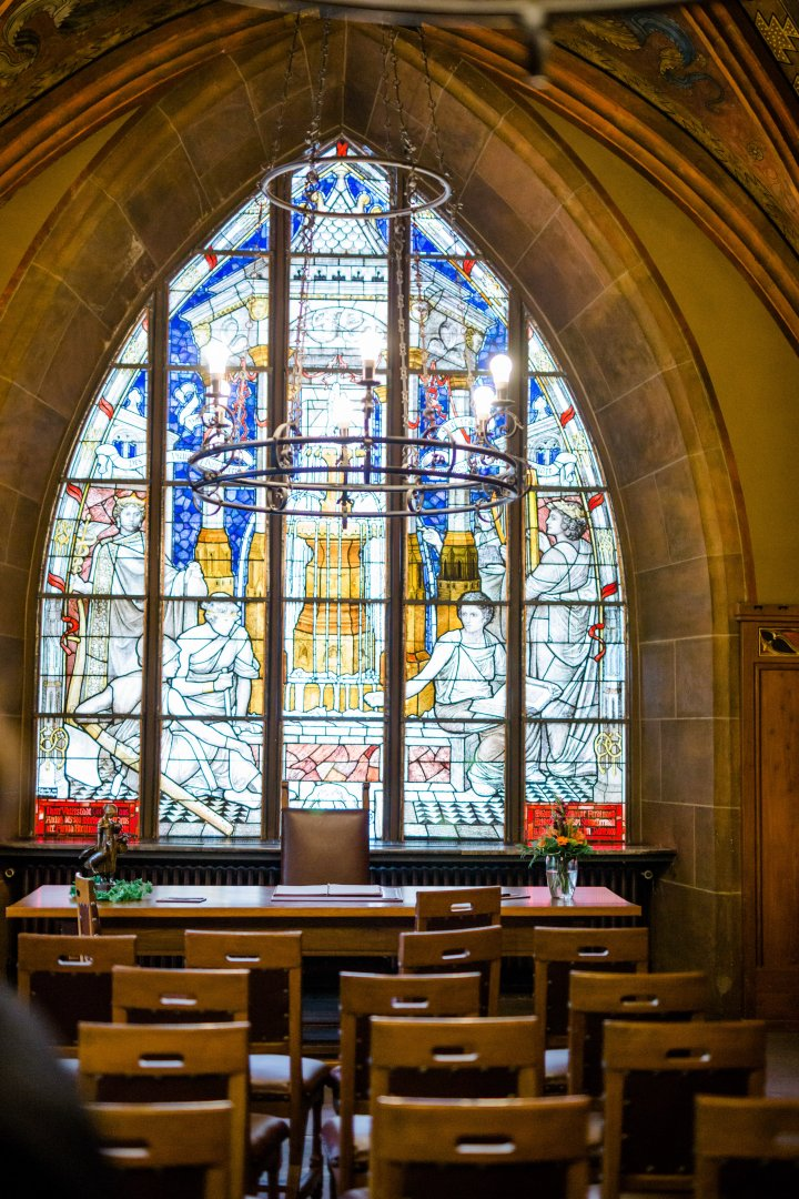 Stained glass Glass Chapel Window Building Architecture Place of worship Holy places Arch Church Interior design Vault Daylighting Cathedral Medieval architecture Gothic architecture Aisle Symmetry Shrine Arcade Altar Baptistery Parish Byzantine architecture Convent Basilica Synagogue Abbey Ceiling