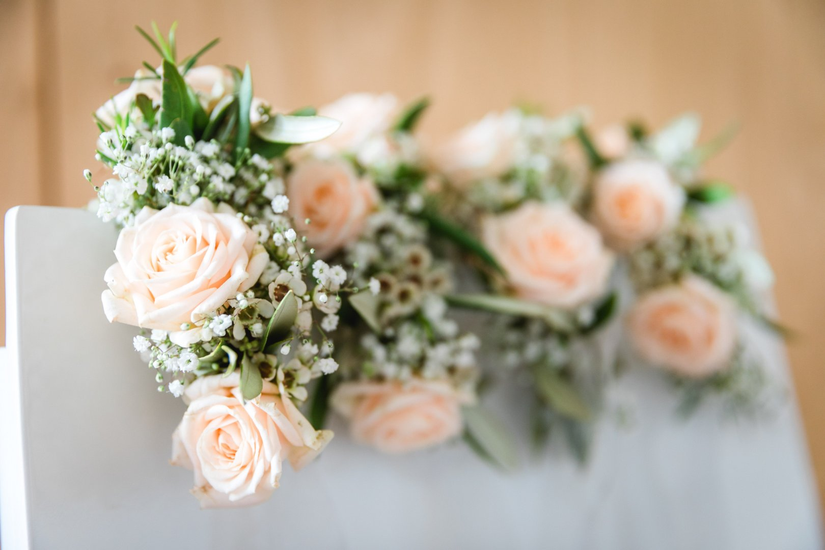 Flower Bouquet Flower Arranging Floristry White Photograph Garden roses Rose Floral design Plant Cut flowers Pink Rose family Yellow Petal Artificial flower Rose order Flowering plant Centrepiece Ceremony Artwork Wedding ceremony supply Wildflower