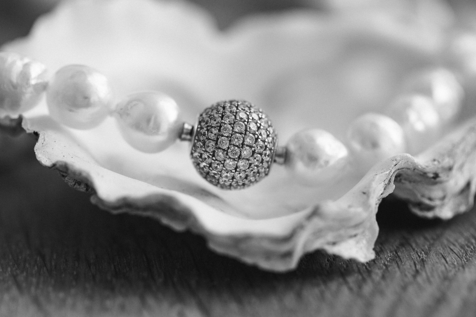White Still life photography Pearl Monochrome photography Close-up Black-and-white Macro photography Fashion accessory Jewellery Photography Monochrome Metal Style