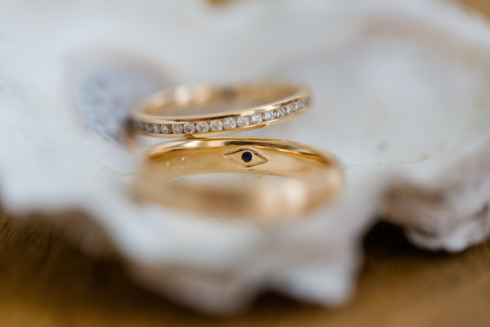 Photograph Wedding ring Ring Wedding ceremony supply Fashion accessory Close-up Jewellery Body jewelry Engagement ring Metal Macro photography Photography Silver Engagement Pearl Gold Gemstone Diamond Ear