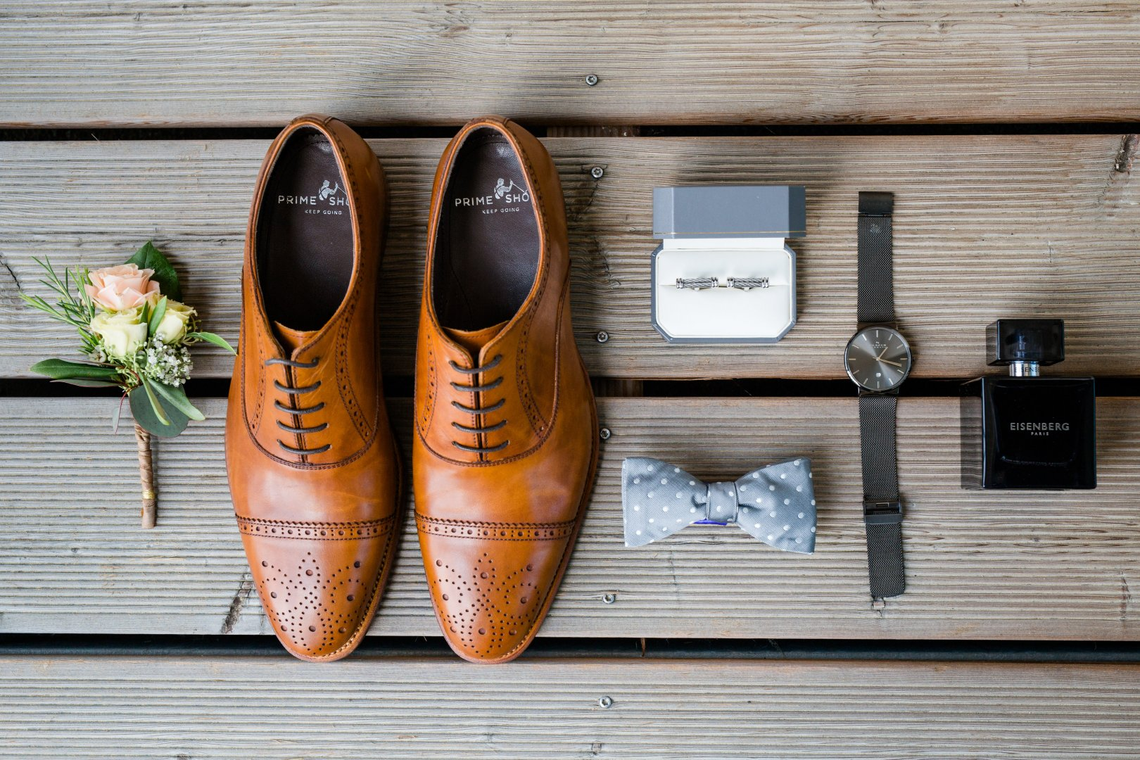 Footwear Shoe Tan Brown Oxford shoe Wood Still life photography Leather Still life